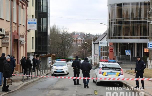 В Виннице из-за  минирования  эвакуировали людей из банка