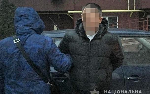 Київський таксист пограбував іноземця і побив його гіда