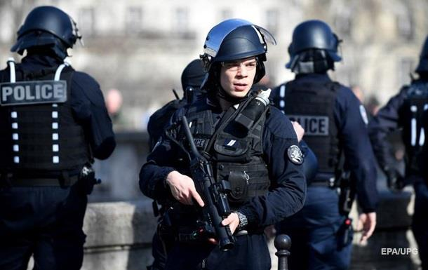 В Париже эвакуировали 1600 человек из бомбы времен Второй мировой