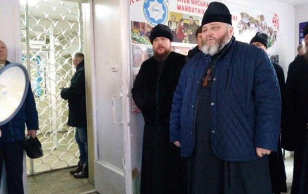 На Донбассе задержали митрополита УПЦ МП