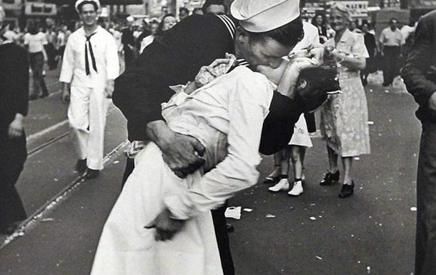 Помер герой відомої фотографії 1945 року