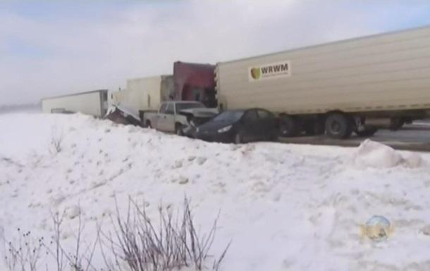 У Канаді зіткнулися 15 автомобілів, є потерпілі