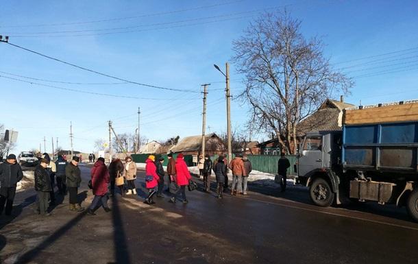 На Полтавщине перекрыли дорогу из-за долгов по зарплате