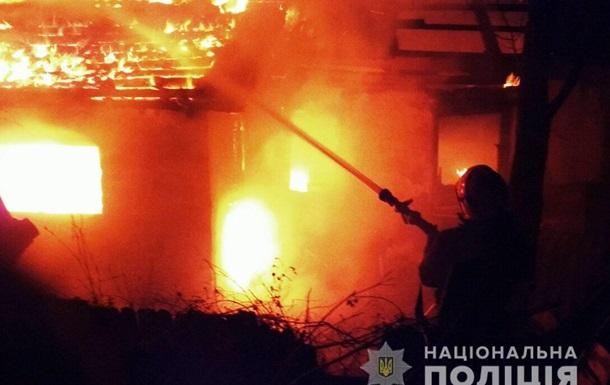 У Хмельницькій області чоловік підпалив два будинки через конфлікт у родині