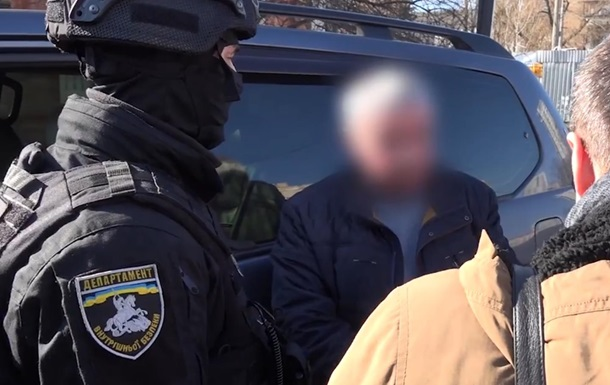 У Києві екс-чиновник поліції продавав колекторам інформацію
