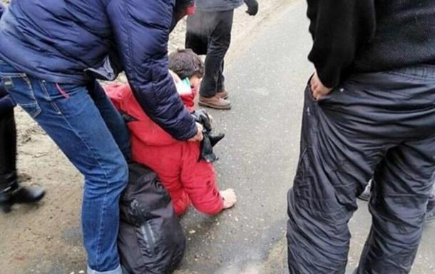 У Харкові з автобуса на ходу випав пасажир
