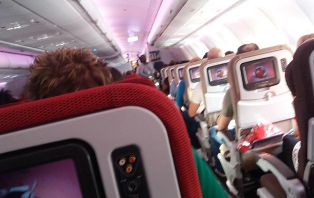 Пасажирський літак перевищив швидкість звуку