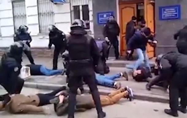 Штурм  райотдела в Киеве: четверо объявлены в розыск