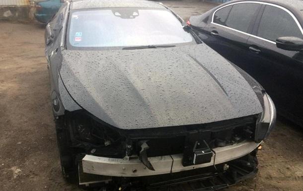Розкрито схему незаконного ввезення елітних авто в Україну