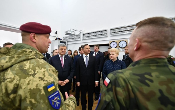 Президенты Украины, Польши и Литвы посетили штаб ЛитПолУкрбриг