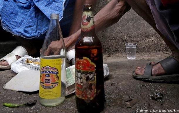 Неякісний алкоголь убив щонайменше 89 людей в Індії