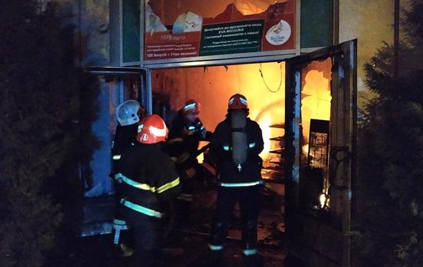 Рятувальники загасили найбільшу пожежу в Полтаві