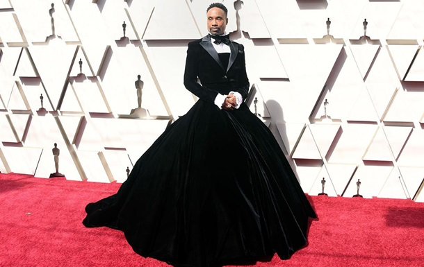 Актор прийшов на церемонію Оскар у довгій сукні