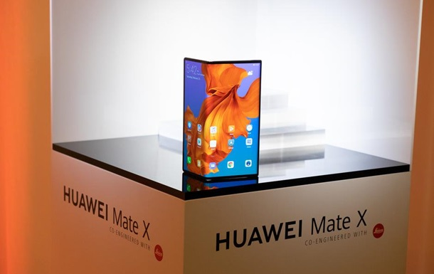 Официально представлен Huawei Mate X