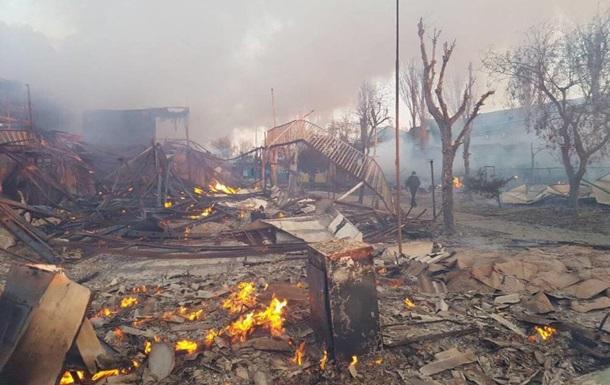 В Затоке произошел крупный пожар на базах отдыха