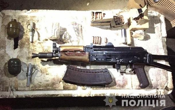 У Маріуполі вилучили зброю, викрадену з відділу поліції в Луганську