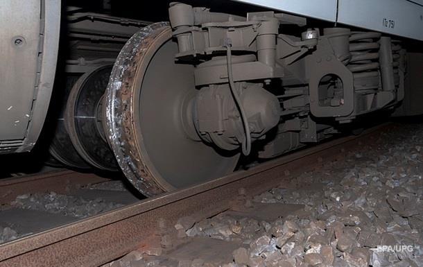 На мосту в Німеччині зійшов з рейок потяг з газом