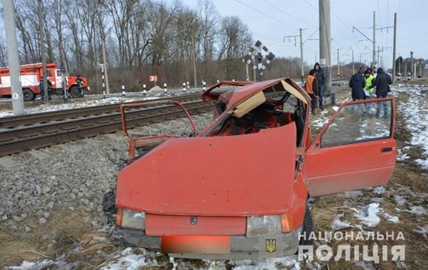 На Волині четверо людей постраждали в ДТП за участю потяга