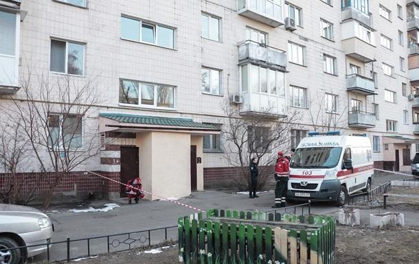 В Киеве школьник умер после падения из окна многоэтажки