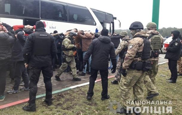В Одессе задержали два автобуса с  вооруженными людьми
