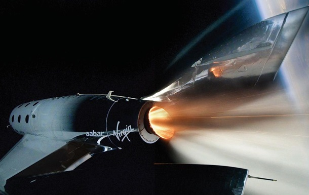 Virgin Galactic впервые запустила туриста в космос