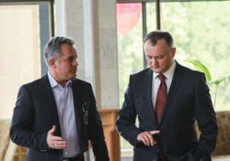 Выборы в Молдавии: крадущийся Плахотнюк, затаившийся Додон