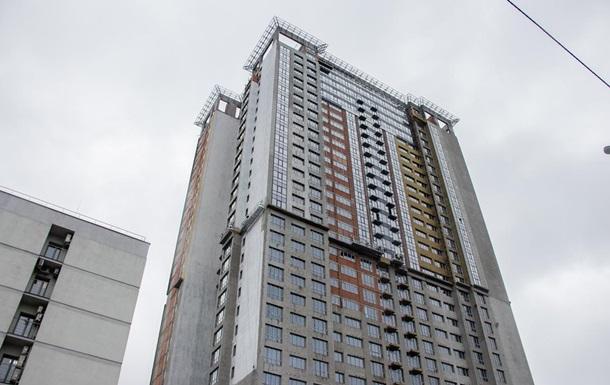 В киевском недострое нашли тело на крыше кабины лифта