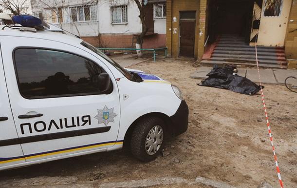 В Киеве нацгвардеец выпал из окна многоэтажки