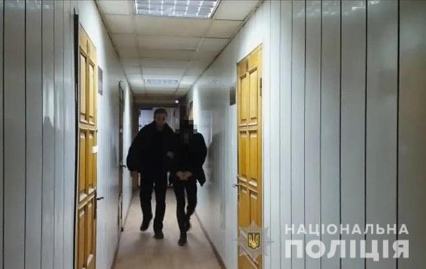В Одесі на вулиці поранили ножем поліцейського