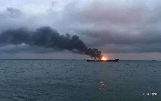 У Керчи потушили пожар на одном из танкеров, горевшем больше месяца
