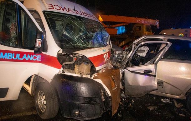 В Киеве три человека погибли в ДТП с участием  скорой