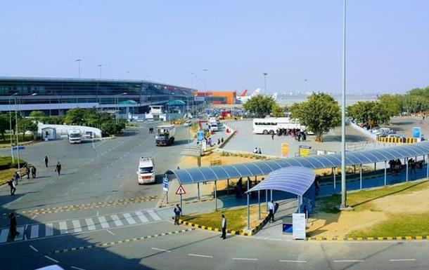 Из Дели вылетела часть застрявших в аэропорту украинцев - МИД