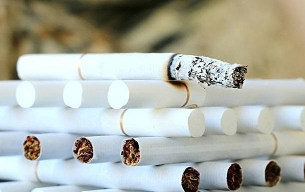 Производство сигарет в Украине упало почти вдвое