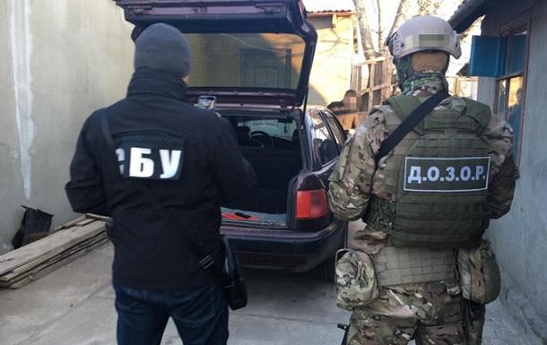 В Одеській області виявили схему контрабанди сигарет в Україну