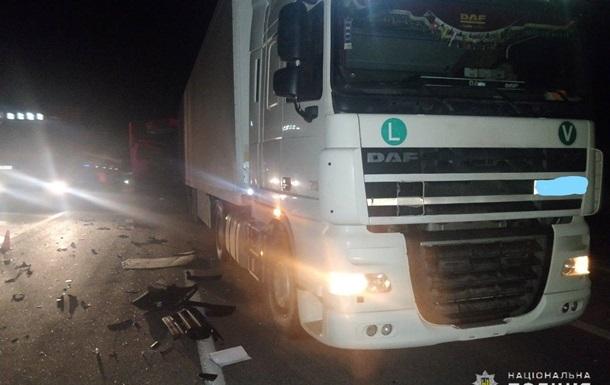 В Николаевской области столкнулись две фуры: трое погибших