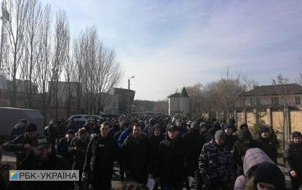 Националисты снова пикетируют дом Гладковского