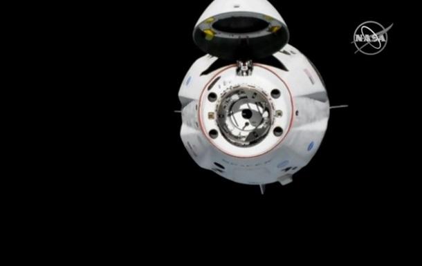Корабель Crew Dragon пристикувався до МКС