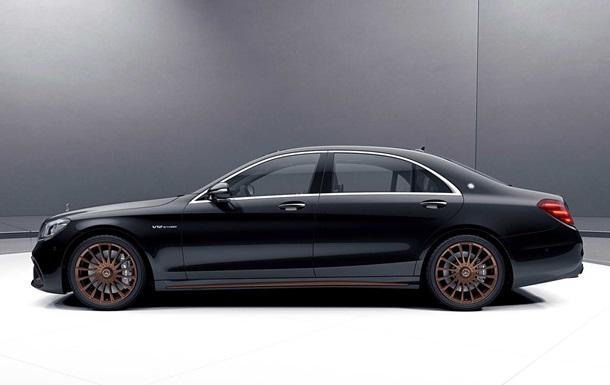 В сети показали лимитированный Седан S 65 Final Edition