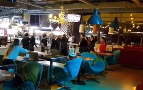 В ресторане Киева произошла драка из-за микрофона