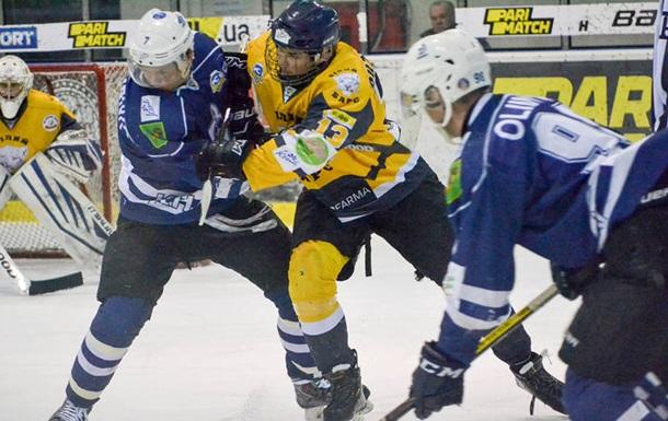 Днепр и Белый Барс одержали победы в первых матчах плей-офф УХЛ