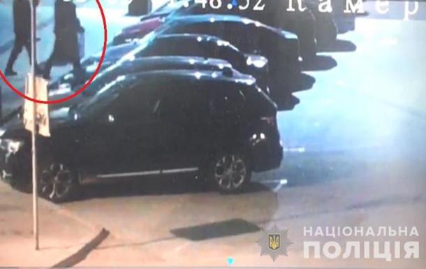 Под Киевом из-за поджога сгорели четыре авто
