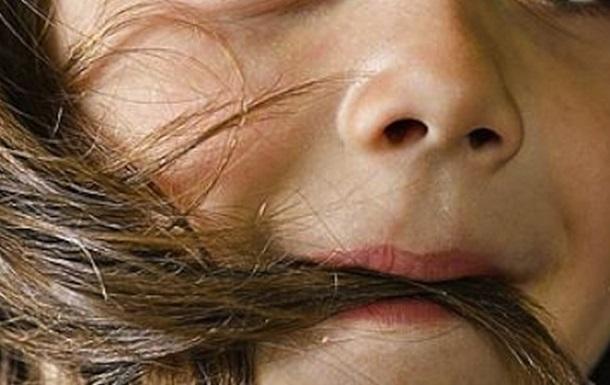 Девочка за шесть лет съела полтора килограмма волос