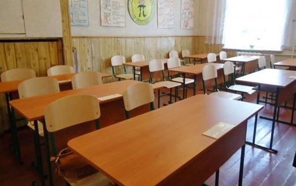 У Чернігові розпорошили газ у школі: постраждали дев ять дітей