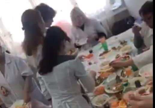 Не могла никого найти: все врачи джанкойской больницы отмечали какой-то праздник