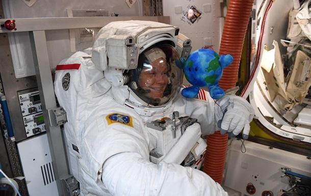 Астронавт из США выросла на пять сантиметров на МКС
