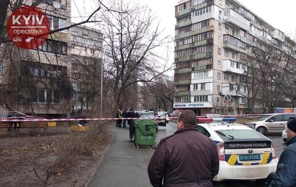 У Києві чоловік у формі поліції застрелив водія