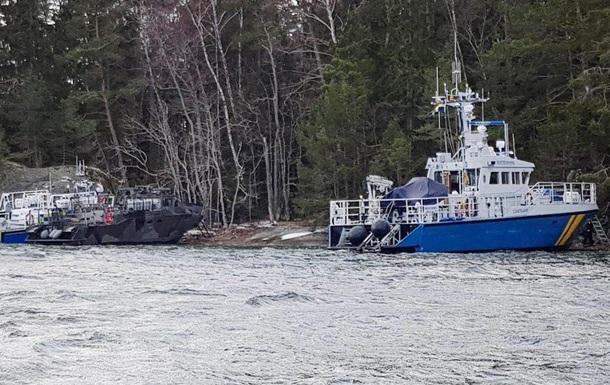 В Швеции сел на мель военный катер: семь пострадавших