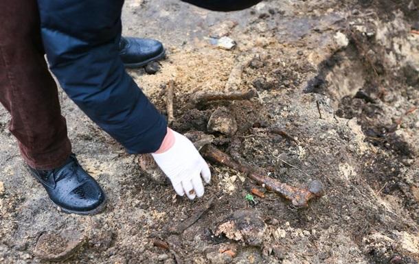 У Києві біля вокзалу виявили людські кістки