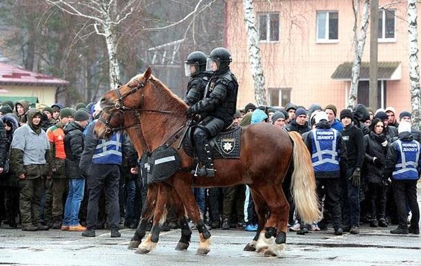 Под Киевом проходят учения МВД