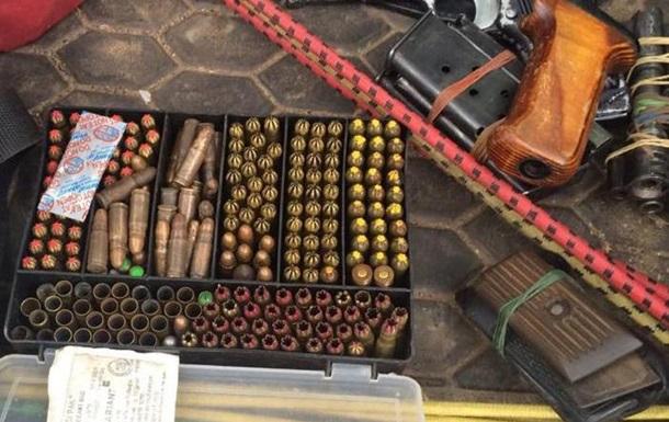 В Киевской области задержали торговцев оружием